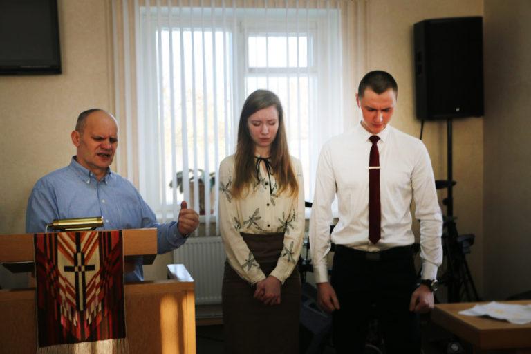 Помолвка в церкви